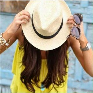 FLASH SALE! 🎀 | Light Chic Straw Fedora